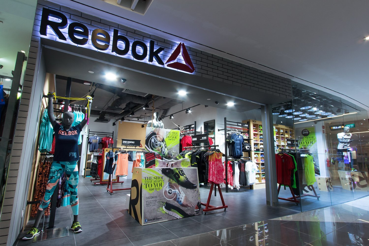reebok launches flagship store in singapore nookmag. Black Bedroom Furniture Sets. Home Design Ideas