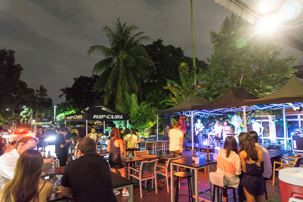 No rain could put off the partying spirits, immersed in live music. |Image Credit: Sarah Oh